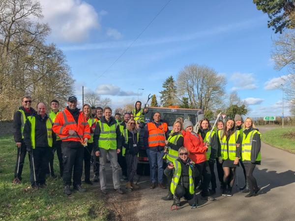 Blenheim joins annual Woodstock litter pick